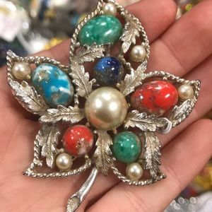 Vintage Jewelry - Sarah Cov. Bold Vintage Holiday Maple Leaf Brooch